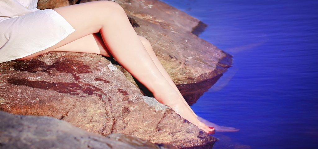 Aidez-vous des huiles essentielles pour lutter contre votre la peau d'orange #mincir #affinier #jambes
