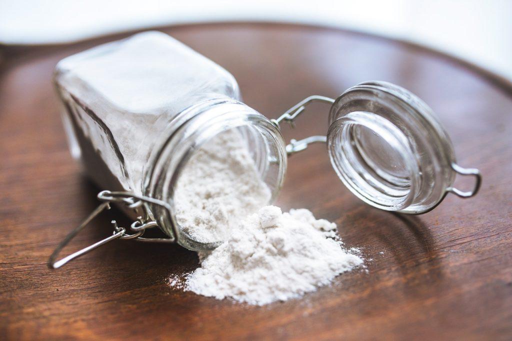 Quelques poudres nécessaires dans la composition d'un déodorant - Le Blog Bio #fécule #bicarbonate de sodium #argile
