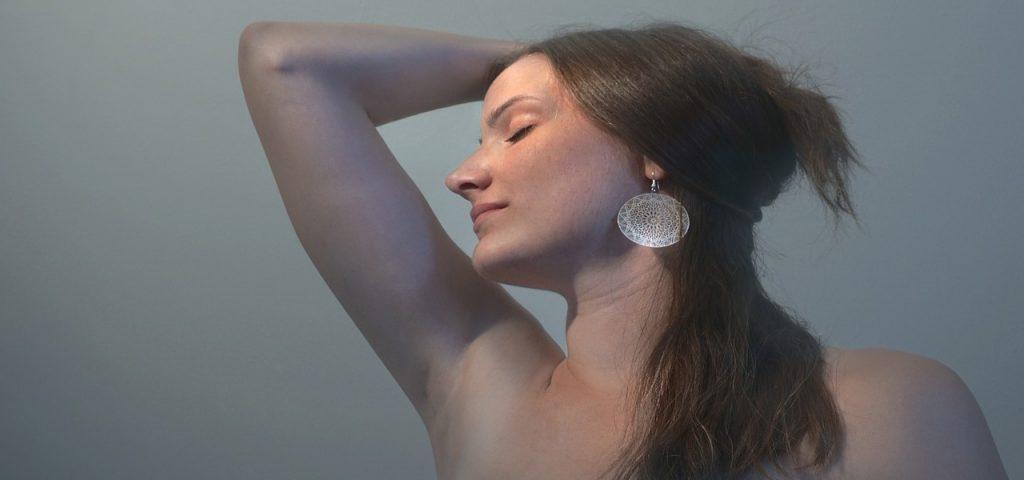Recettes naturelles de déodorant roll-on à faire chez soi ; Le Blog Bio .fr #transpiration #DIY #bio