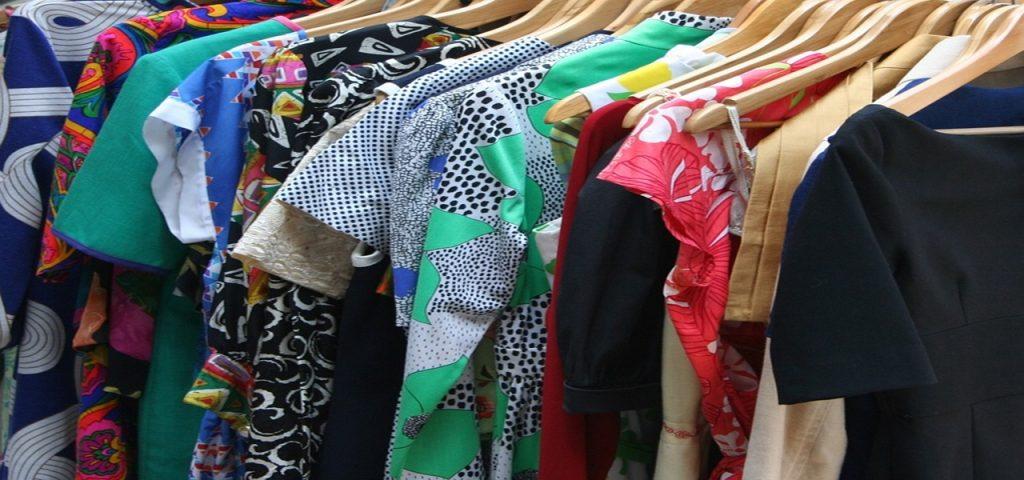 Donnez, troquez, vendez vos vêtements et accessoires #rangement #minimalist #organisation #tri #désencombrement #dressing #pouvoirachat #antigaspi #zerodechet
