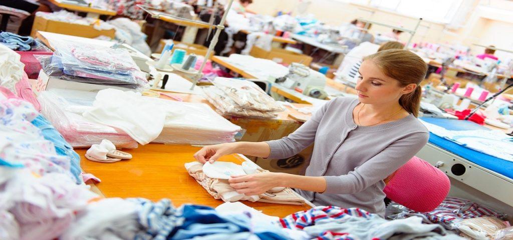 Réparez, recyclez, transformez vos vêtements #minimalist #désencombrement #dressing #pouvoirachat #antigaspi #zerodechet #vetement #recyclage #couture #astuce #création